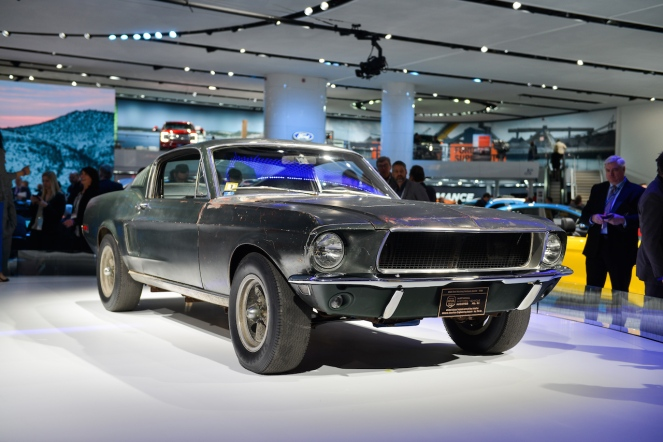 ford-mustang_100640521_h